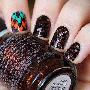 Halloween Houndstooth nail art by Moriesnailart