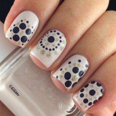 Dotticure nail art by Glittr