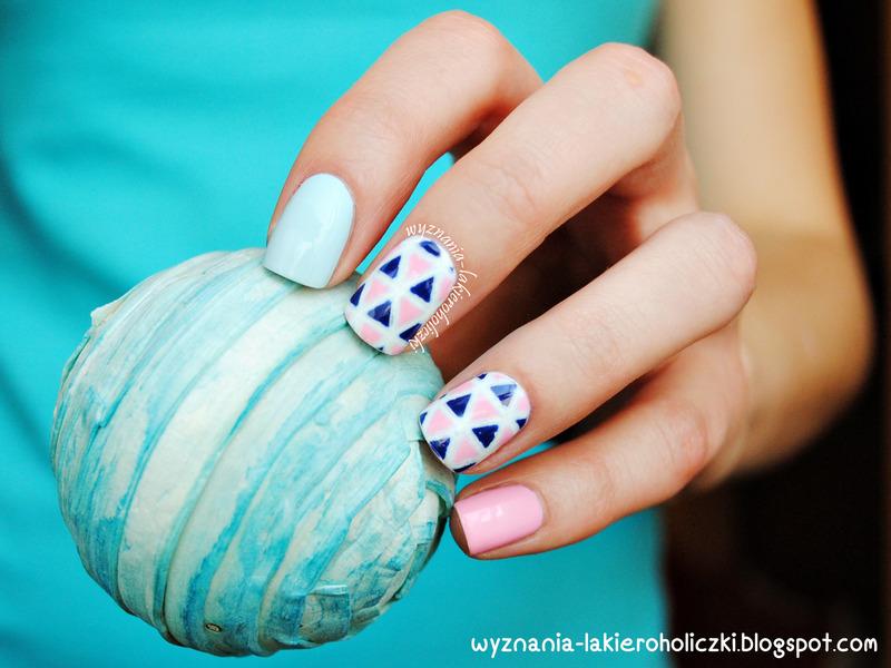 Sweet triangles nail art by Olaa
