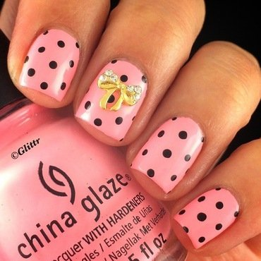 Dotticure with Bow accent nail art by Glittr