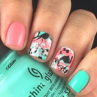 Splatter Nailart nail art by Glittr