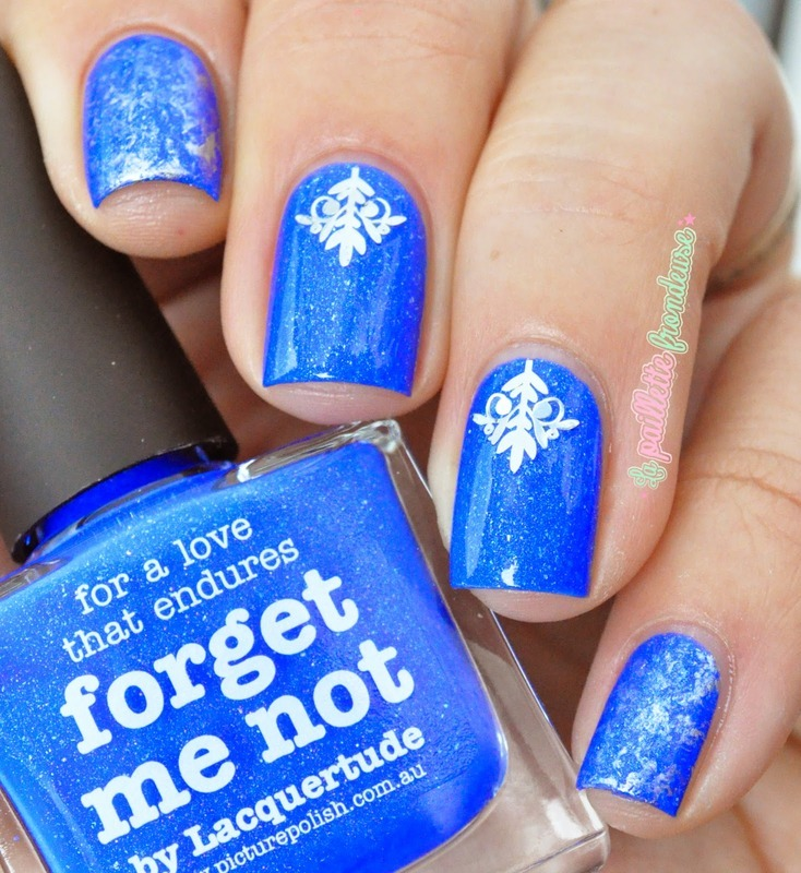 blue and arabesque nail art by nathalie lapaillettefrondeuse