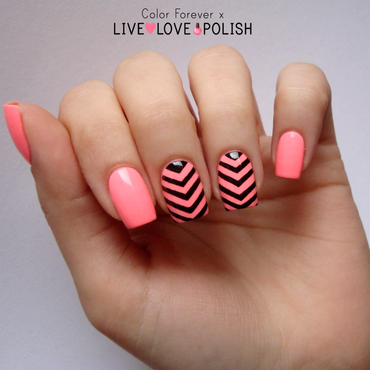 neon & chevron nail art by ania