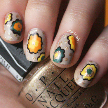 Retro Flowers nail art by Anya Qiu