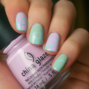 Pastel Turtle Shells nail art by Anya Qiu
