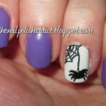 Itsy Bitsy Spider nail art by Leah