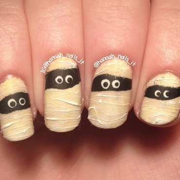 I want my Mummy! nail art by Hannah