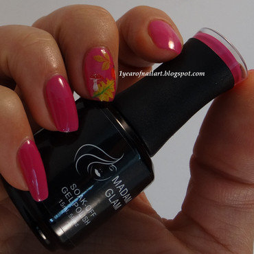 Just a little fall accent nail art by Margriet Sijperda