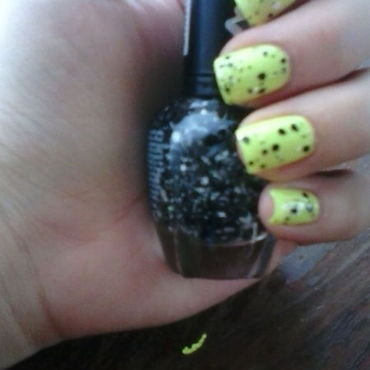black n white with a touch of neon nail art by ameliavillars