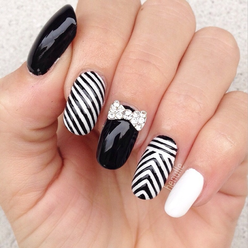 Oscar de la Renta inspired nails nail art by Henulle