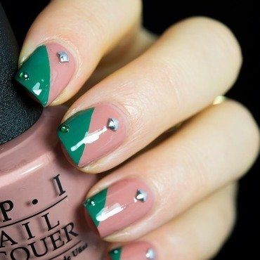 Opi barefoot in barcelona nail art 2 thumb370f