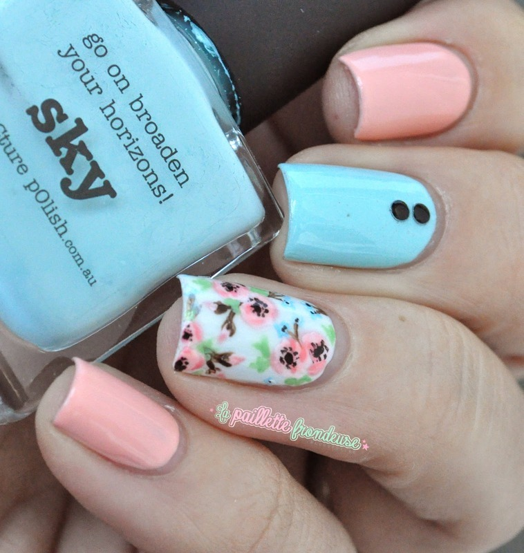 floral sweetness (freehanded) nail art by nathalie lapaillettefrondeuse