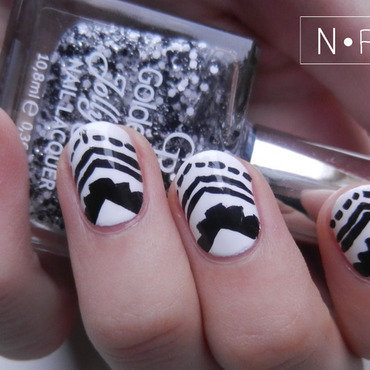 Monochrome tribal8 thumb370f