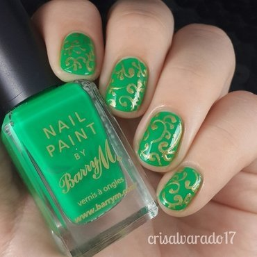 Gold filigree nail art by Cristina Alvarado