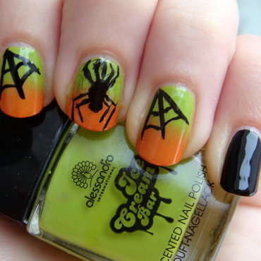 Cobwebs and spiders nail art by Elin The Cupcake Cat