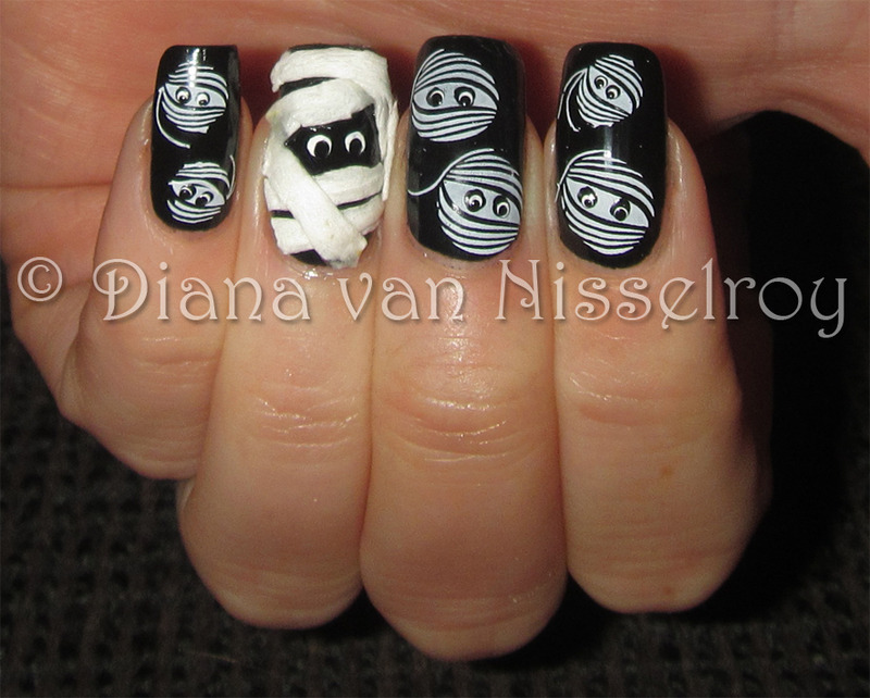 Mummies nail art by Diana van Nisselroy
