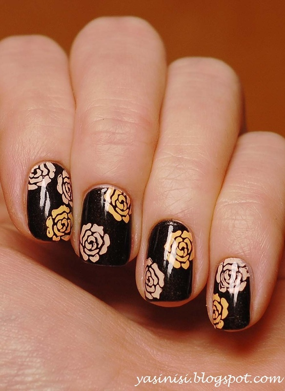 Pueen 14 stamped with Mundo de Unas Peach and Pale Rose nail art by Yasinisi