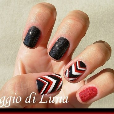 Black & white & carmine red chevron skittlette nail art by Tanja