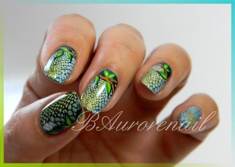 effet serpent nail art by BAurorenail