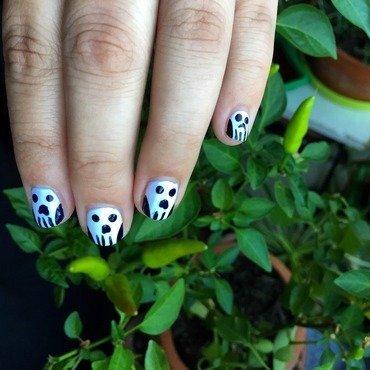 spooky scary skulls nail art by emoxic