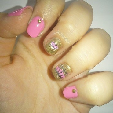 Queen Nails nail art by Melany Antelo