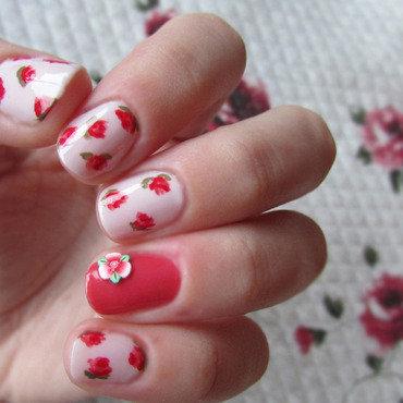 Roses nail art by Estelle Heart