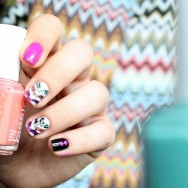 Ikat chevrons nail art by Bidibulle