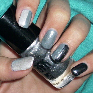 Essence 20rock 20out 20nail 20polish5 thumb370f