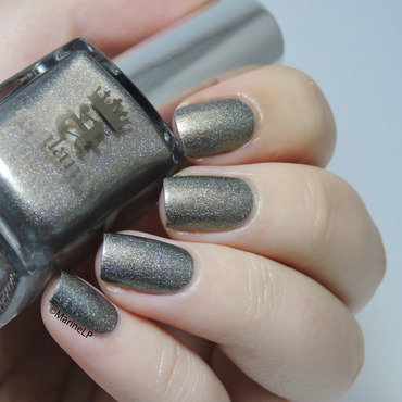 A England Virgin Queen Swatch by Marine Loves Polish