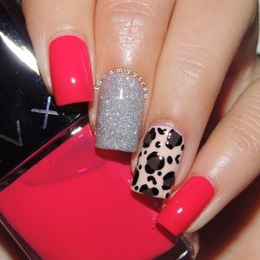 Leopard print  nail art by Amy