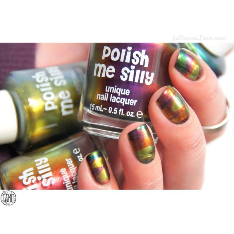 Gasoline Watermarble Multichrome nails. nail art by Paulina