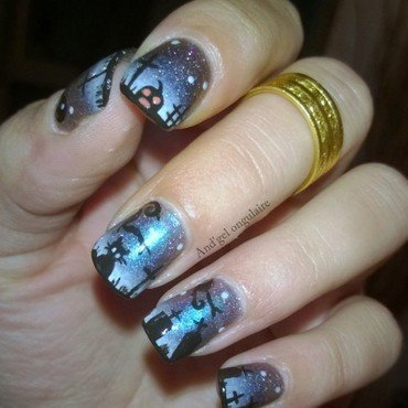 This is Halloween nail art by And'gel ongulaire