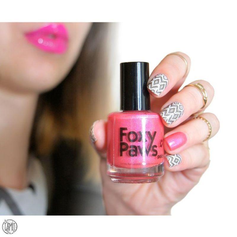 Ikat Stamping Nails feat. Foxy Paws. nail art by Paulina