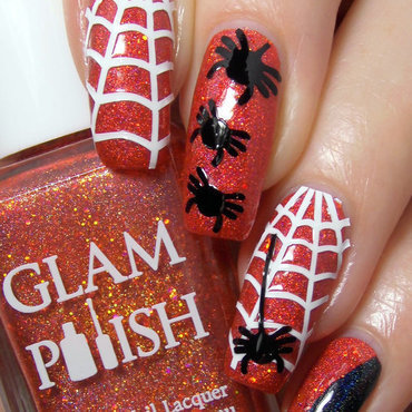 Itsy Bitsy Spider nail art by greeench