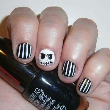 Halloween -Jack skellington nail art by sissynailsmakeup