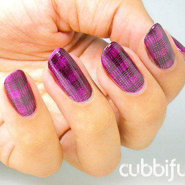 Stamping Tartan Glitter Nails nail art by Cubbiful