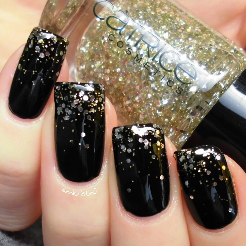 Gold on Black Glitter Gradient nail art by Ann-Kristin
