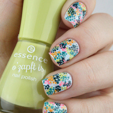 Invasion de petits pois nail art by Mary Monkett
