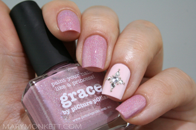 Ongles de princesse nail art by Mary Monkett