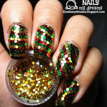 Reggae Christmas Inspired Glitter Placement Nail Art nail art by Kat of NailsMyDreams