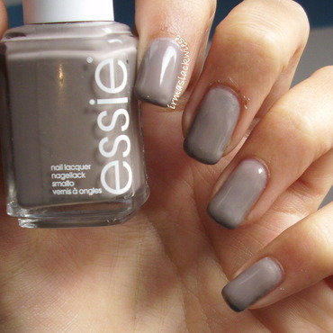 Essie Miss Fancy Pants Swatch by irma