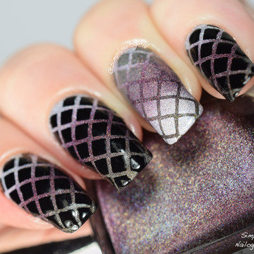 Edgy fishnet holo and black gradient combo nail art by simplynailogical