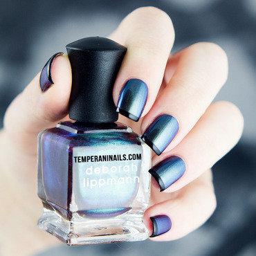 Dream Weaver nail art by Temperani Nails