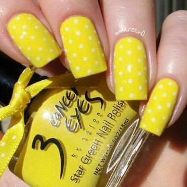 Neon Yellow Dotticure nail art by Ann-Kristin
