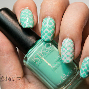 Mint Mini Quatrefoil Nails nail art by Kathrin