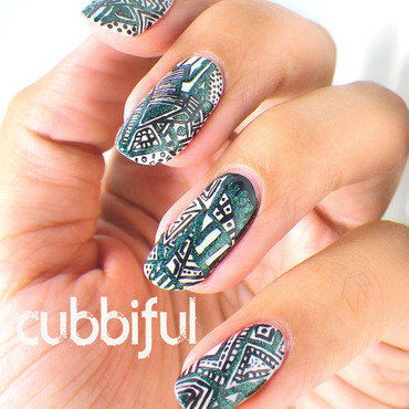 Abstract metallic nails thumb370f