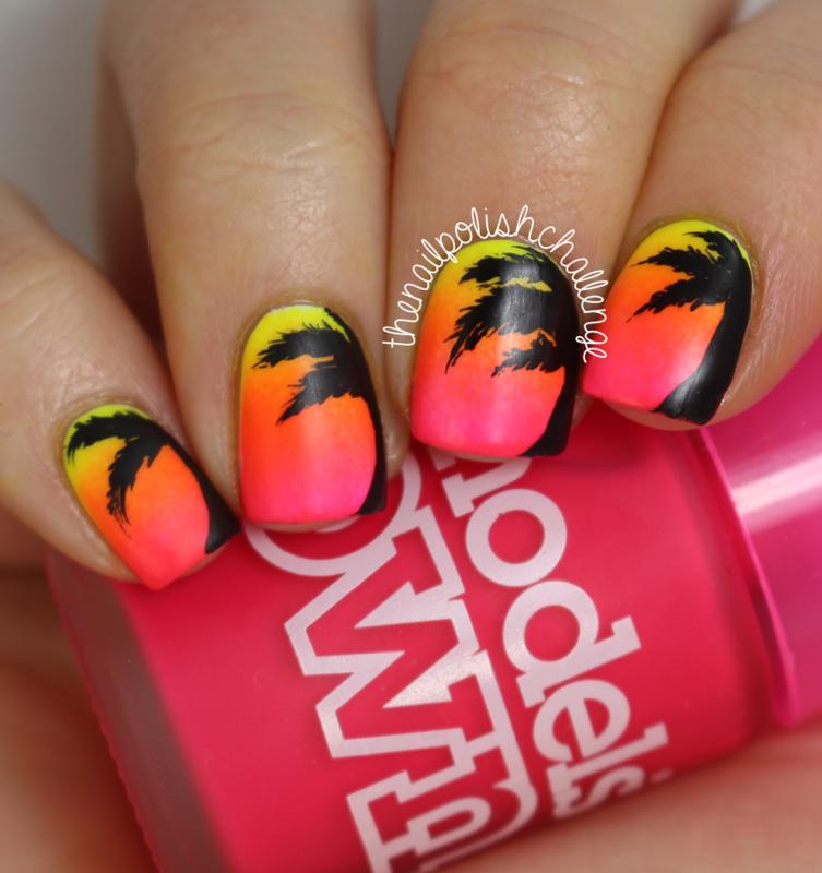Palm Tree Gradient nail art by Kelli Dobrin