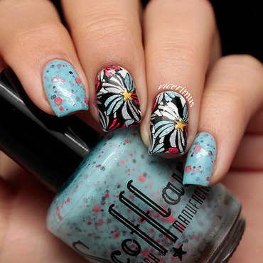 Paranoid Android nail art by Yulia