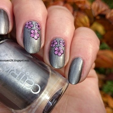 Gray nails nail art by T. Andi