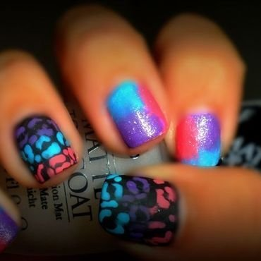 Leapoard Gradient nail art by StephGlamNailz